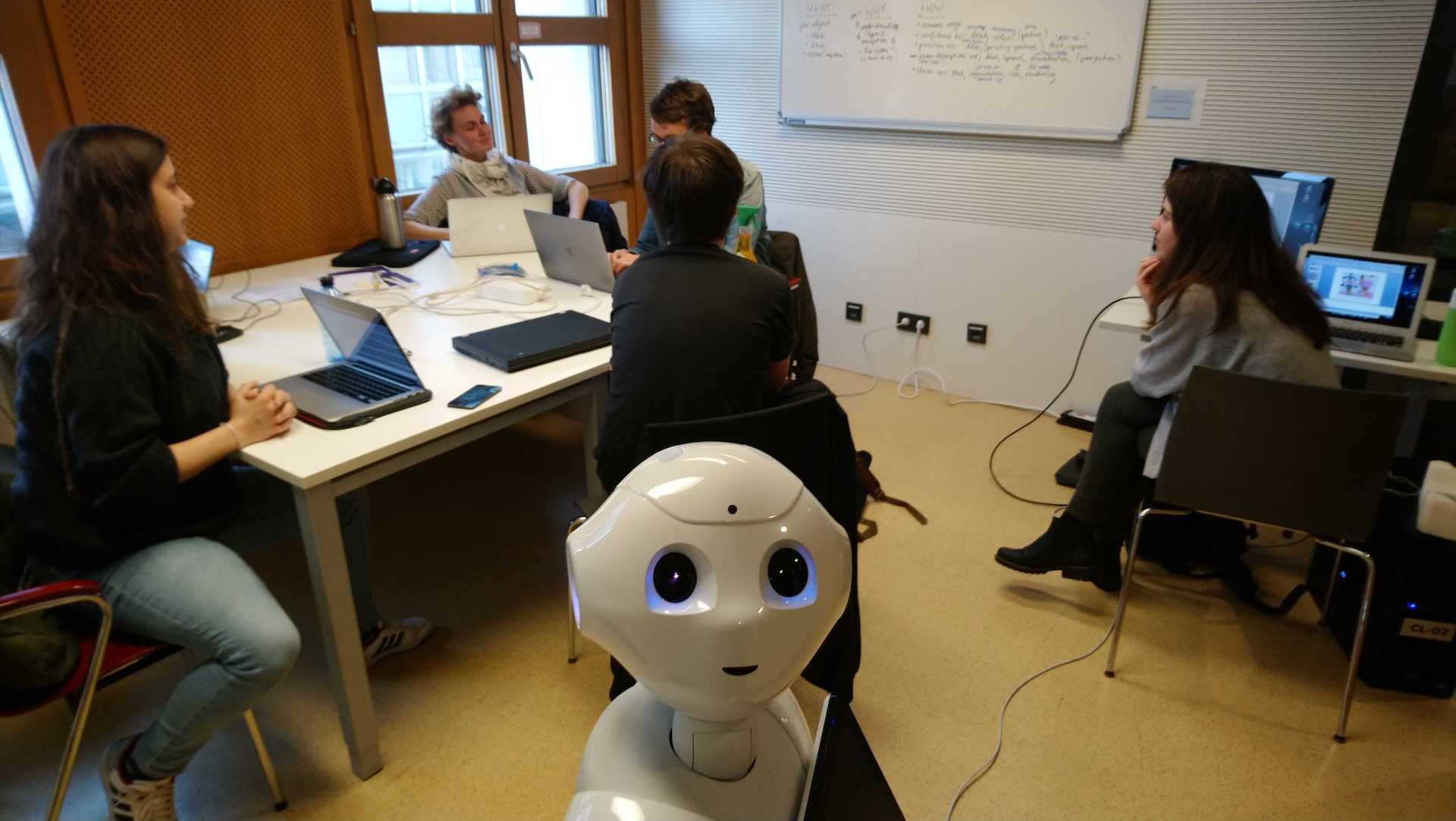 Save the date! Summer School on Trust in Robots